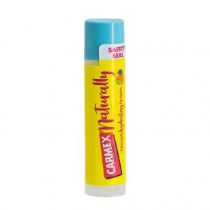 Carmex Naturally uogų skonio lūpų balzamas 4,25 g