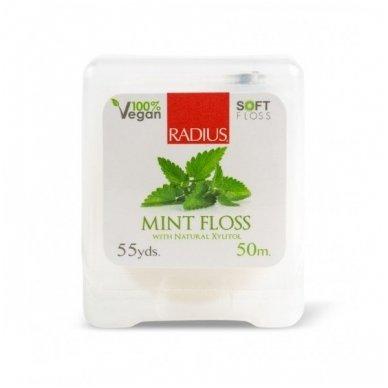 Tarpdančių siūlas su natūraliomis mėtomis ir veganišku ksilitoliu (50m) 2